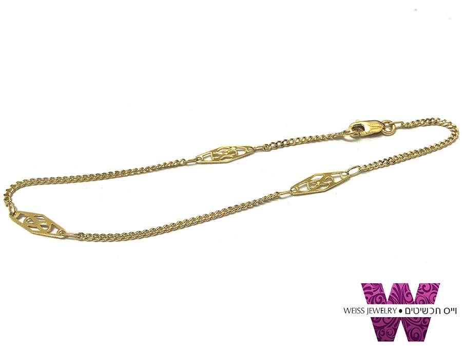 צמיד זהב עדין עם אלמנטים בסגנון וינטג'